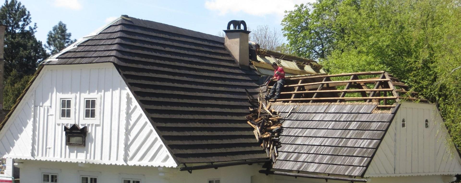 roof repair near Forney
